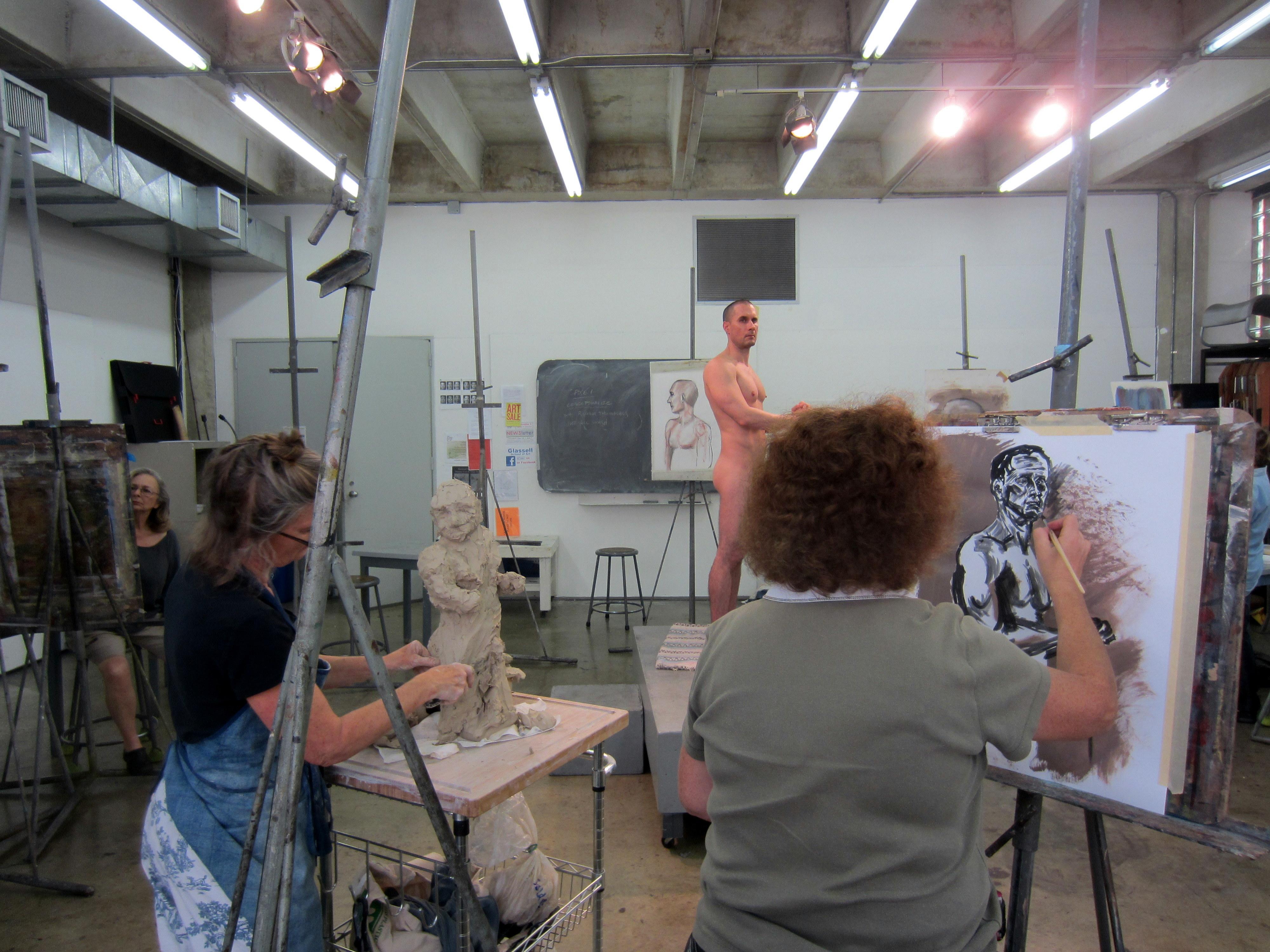 Smh. art class life naked posing
